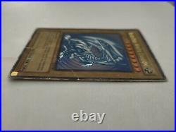 Blue Eyes White Dragon Ultra Rare SDK-001 1st Edition rare