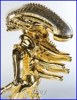 ULTRA RARE Deluxe Edition GENTLE GIANT KENNER JUMBO 24 GOLD ALIEN FIGURE 2014