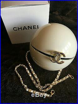 Ultra Rare Chanel CC 2016 Runway Chain Pearl Bag Limited Edition Vip Gift
