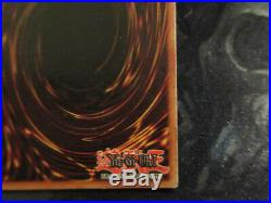 Yu-gi-oh Blue-Eyes White Dragon LOB-E001 1st edition (Slight Misprint)
