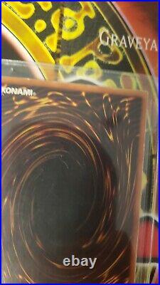 Yugioh Dark Magician LOB-005 1st Edition North American English Lightly Played