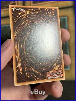 Yugioh Dark Magician LOB-005 LOB-A005 Ultra Rare 1ST EDITION
