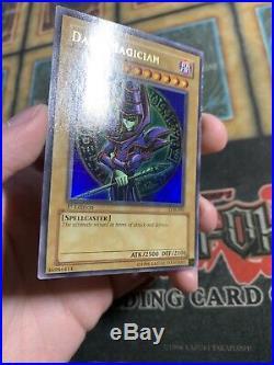 Yugioh Dark Magician LOB-005 Ultra Rare 1ST EDITION
