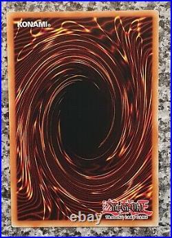 Yugioh Dark Magician YGLD-ENC09 Ultra Rare 1st Edition Mint