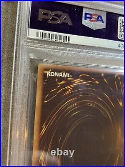 Yugioh PSA 8 Blue Eyes White Dragon LOB-001 1st Edition American English